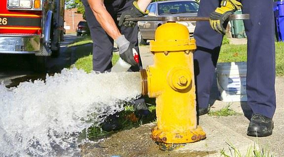 newsp2bottomJoliet_Fire_Department_conducting_hydrant_testing_t580